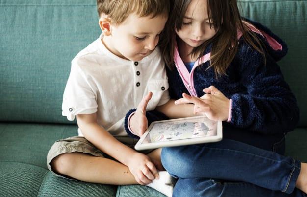 Онлайн или офлайн: почему учить детей английскому на платформе Skyeng – одно удовольствие