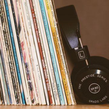 Музыка как инструмент в преподавании: исполнители, популярные среди подростков