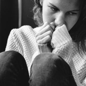 Депрессия у подростков: как учителю распознать и помочь