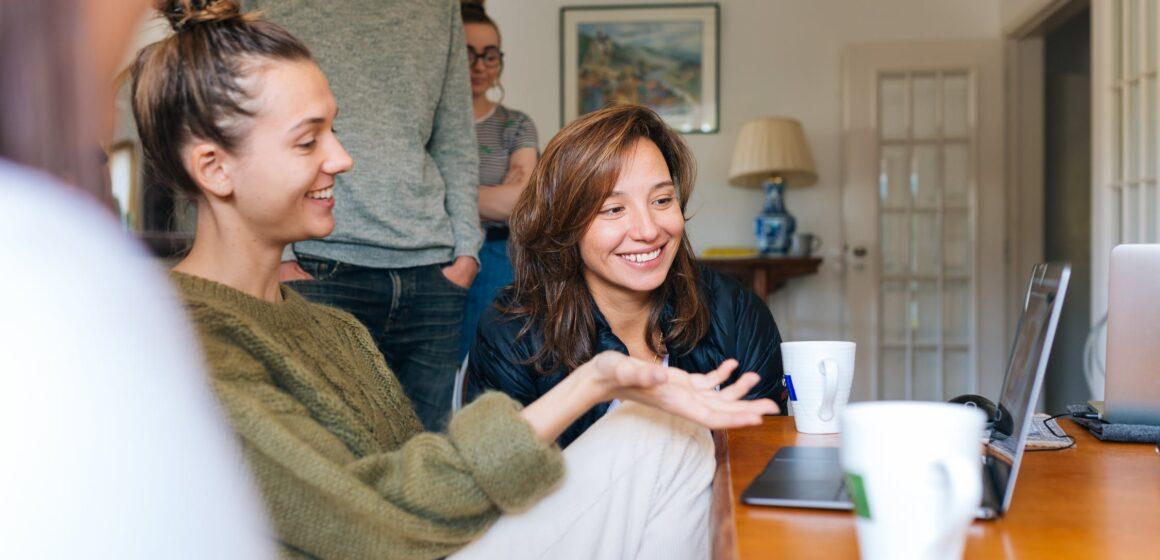 Обучать английскому близких родственников: возможно ли это?
