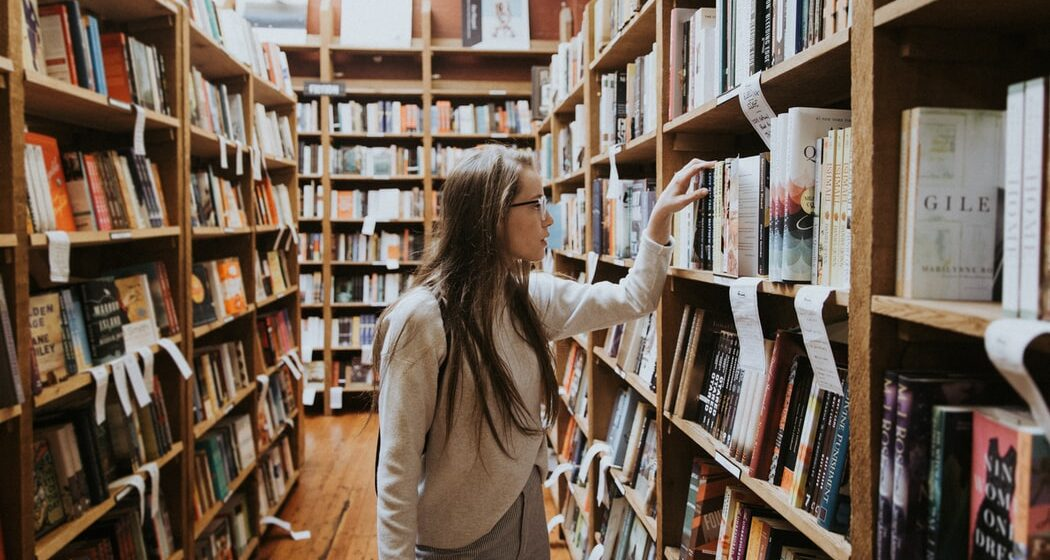 Do we still need libraries? A debate lesson