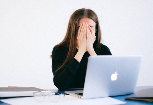 COVID-19: все больше стресса для учителей, и что с этим делать