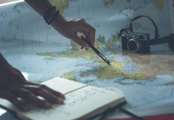 """ЕГЭ. Слова на тему: """"Путешествие по своей стране и за рубежом. Осмотр достопримечательностей"""""""