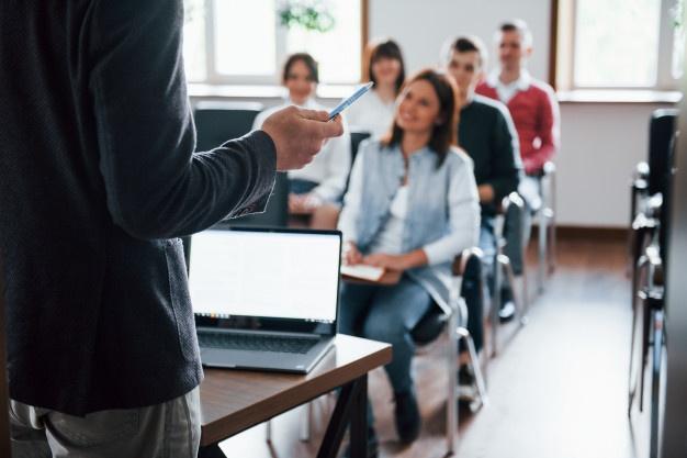 ЕГЭ: слова на тему «Школьное образование. Изучаемые предметы и отношение к ним. Каникулы»