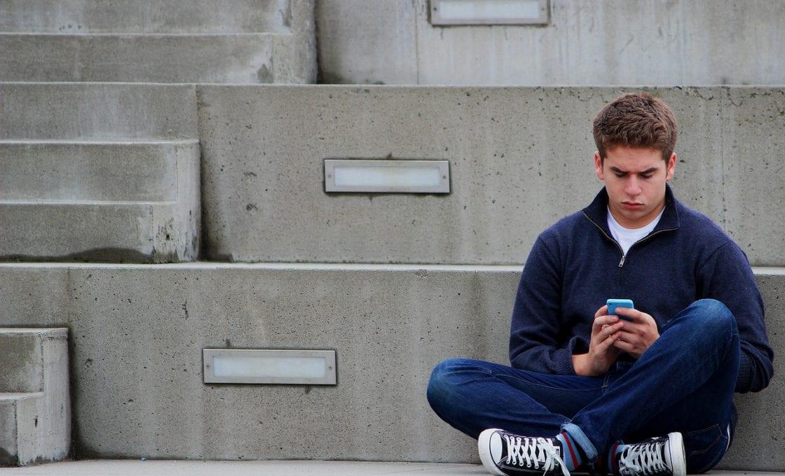 texting-1999275_1280