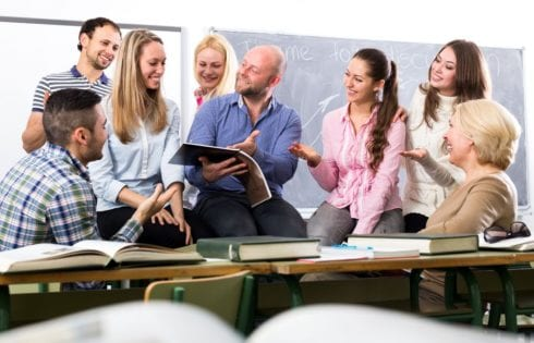 Дистанция между учителем и учеником