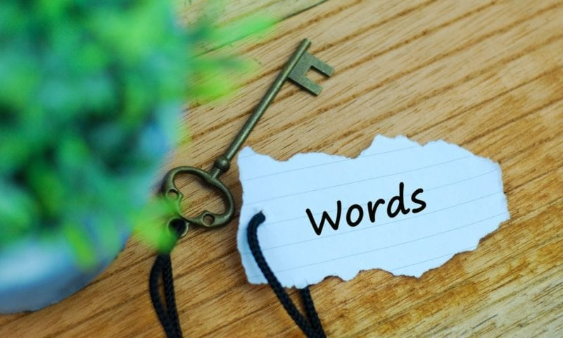 Обучение учеников правильному использованию слов-связок или linking words в английском языке