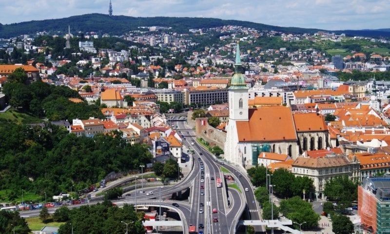 Как преподавателю английского работается в Словакии? Видеоинтервью с Ниной