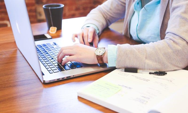 Почему после работы онлайн не хочется уходить назад в офлайн? Интервью с Ириной, преподавателем Skyeng